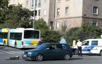 Busz és személyautó balesete a Dózsa György úton
