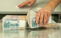 Tovább csökken a bankadó