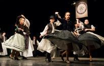Kitartó munka, hagyományok és tánc