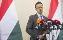 Szijjártó: Schengen nem halhat meg