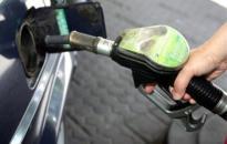 Újabb benzináremelés