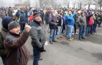Béremelésért tüntettek a Vasasok