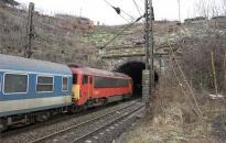 Igen, ma is csak Kelenföldig megy a vonat