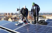 Nem érinti a napelemekre kivetett adó a háztartásokat