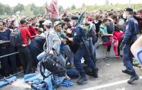 Magyarország nem enged migrációs politikájából
