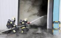 Hetekig vizsgálják, mi okozta a tüzet Etyeken