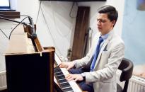 Lemezbemutató egy zongorával