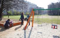 Új játszóteret kaptak a gyerekek