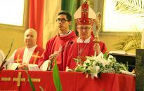 Pünkösd előestéje és szentmise a megyéspüspökkel