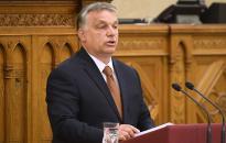 Orbán: Amíg én vagyok a miniszterelnök, addig állni fog a kerítés