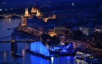 Vizes vb - Látványos megnyitóünnepség a Dunán