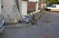 Súlyosan megsérült a biciklis