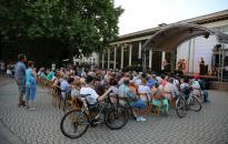 Ligetzáró-Évadnyitó vasárnap a Petőfi ligetben