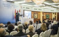 Orbán: nem a Nyugat fogja fújni a passzátszelet