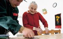 Emelt nyugdíjat hoz a postás