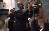 Nemzetközi jazz-őrület a Művészben