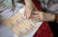 Húsvétra is kaphatnak Erzsébet-utalványt a nyugdíjasok