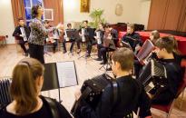 Segítség a Harmonika zenekarnak