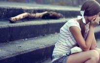 Hat migráns csoportosan erőszakolt meg két lányt