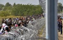 A migránsbarátok így szónokoltak a kerítés ellen
