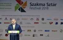 Orbán: legyen a munkásoknak és a munkának becsülete