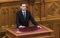 Varga: tovább csökkennek az adók