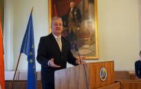 Folytatja kormánymegbízotti munkáját dr. Simon László