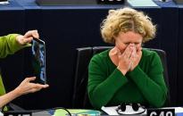 Bizottsági válasz Sargentiniék vádjaira