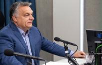 Orbán: hónap végén mindenki megkapja a túlórabért, az agresszív utcai csőcseléket Soros fizeti