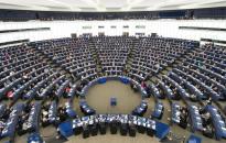 Az európai baloldal kampányeszközként tekint hazánkra