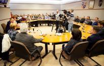 Közmeghallgatást tartott a közgyűlés a Városházán