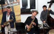 Szaxofonpárbaj a Művészben - hangulatjelentés DO-videóval