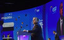 A Fidesz nem enged a keresztény értékekből