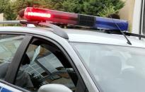 A sofőr beszorult a balesetes autóba