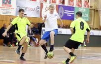 Meccsdömping a sportcsarnokban