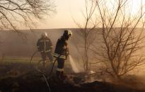 Szabadtéri tüzekkel kezdődött az április