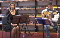 Akusztikus esttel ünnepelt a könyvtár