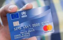 Fidesz: Brüsszelnek meg kell szüntetnie az anonim migránskártyákat!