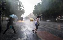 Marad a szeles, esős idő