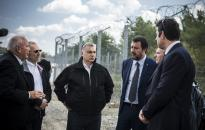 Orbán: Magyarország a szárazföldön, Salvini a tengeren állította meg a migrációt
