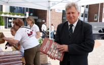 Könyvünnep a Városháza téren