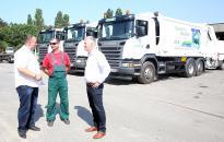 Három új kukásautó állt munkába