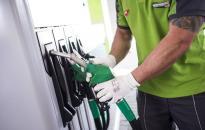 A MOL emeli a benzin árát