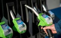 Még olcsóbb lett a benzin