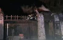 Lánglovagok: kiégett egy nádfedésű lakóház Rácalmáson