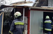Dunaújvárosi tűzoltókat is bevetettek a szélvihar után