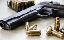 Csoportos garázdaság a Petőfi utcában – lövöldözéssel