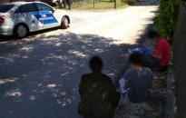 Rendőrség: illegális menekülteket tartóztattak fel a város külterületén