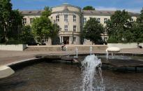 Dunaújvárosi Egyetem: elmaradt a diplomaátadó