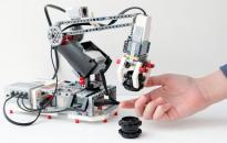 Robotika a könyvtárban: építsd meg, értsd meg!